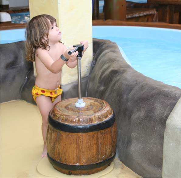 Barrel with handpump
